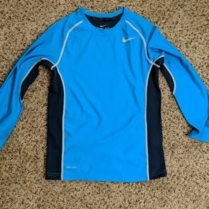 Nike Boys Dri Fit Training Shirt, lt blue, new